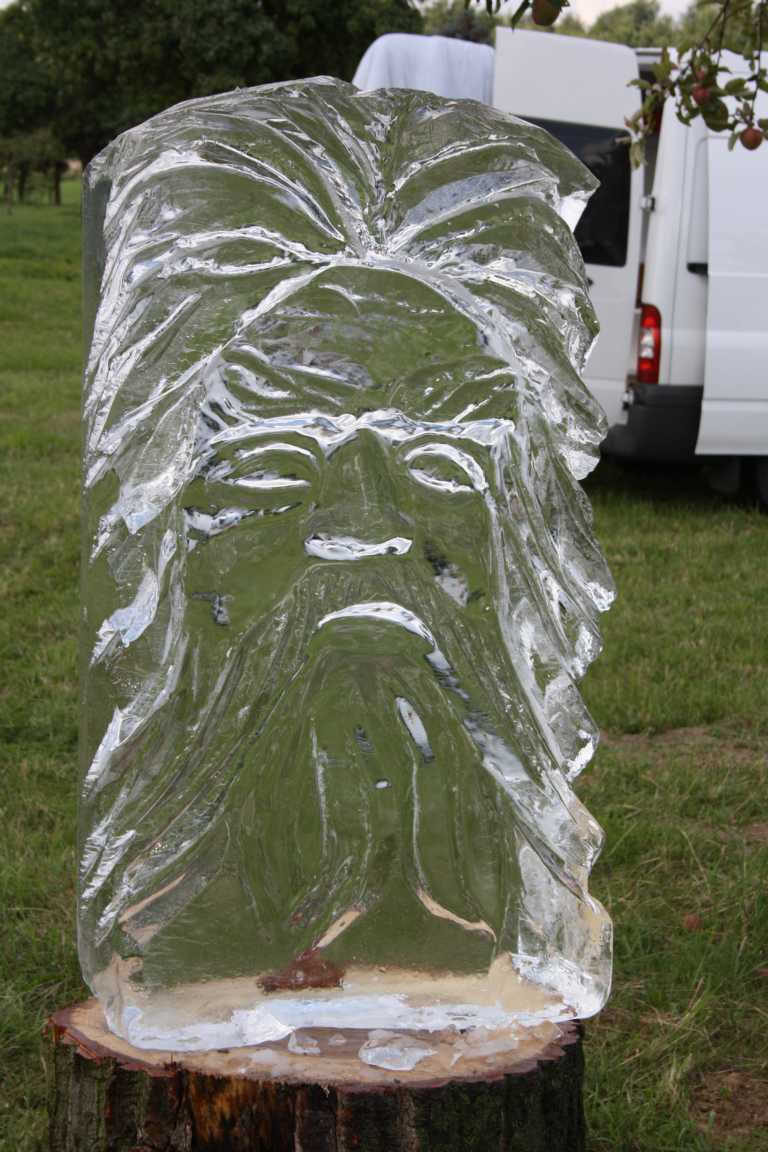 Chainsaw carving skulpturen kettensägekunst